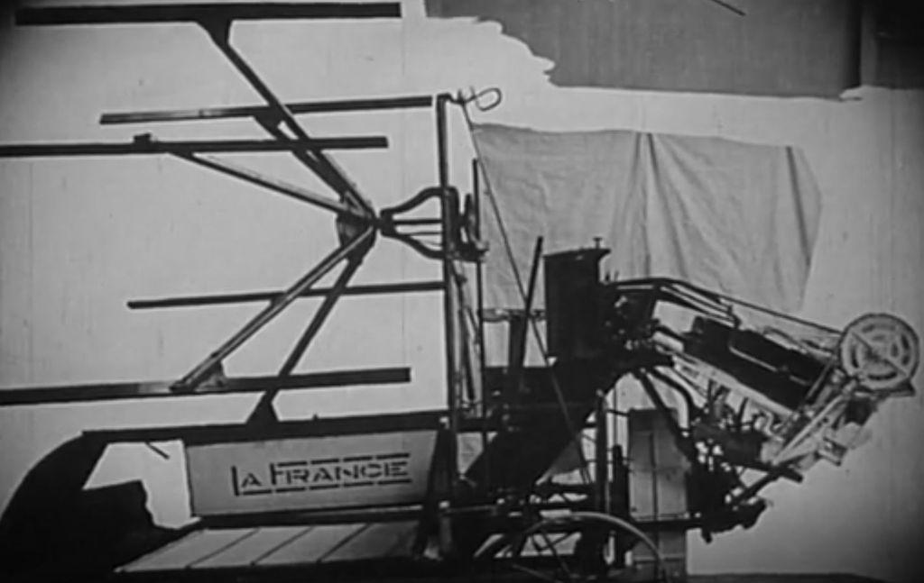 [Archive INA] En 1912, la propagande vantait des moissonneuses françaises